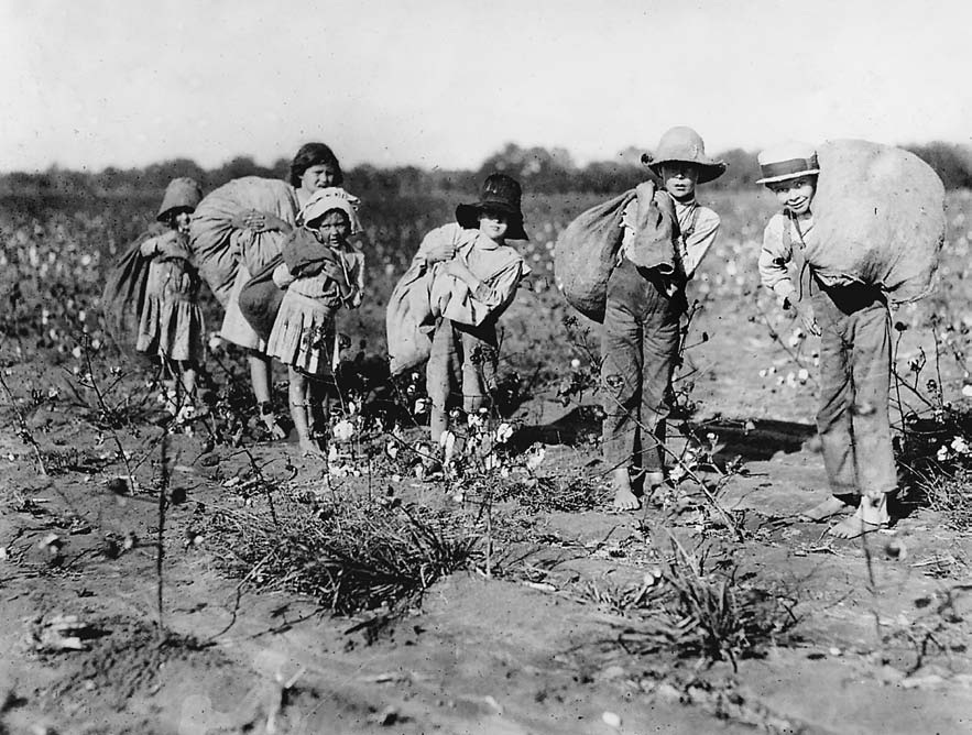'Children cotton pickers', c. 1912, Lewis Hine
